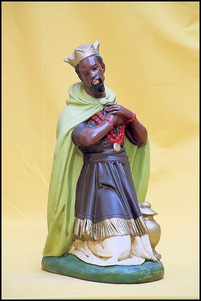 Sculptuur De Heilige Zwarte Piet Balthasar 1 van de 3 Koningen met Gouden Kroon - Katholiek Historisch Museum